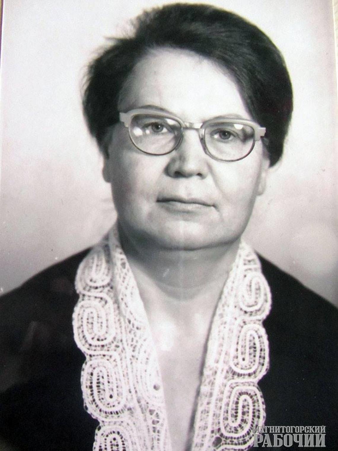 Первый наставник, учитель и друг.Заслуженному учителю РСФСР Вере Петровой исполнилось 90 лет