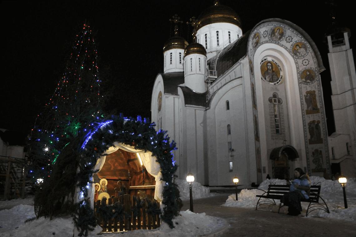 «В новом году нас ожидает много важных дел». Магнитогорцы встретили Рождество в Кафедральном соборе